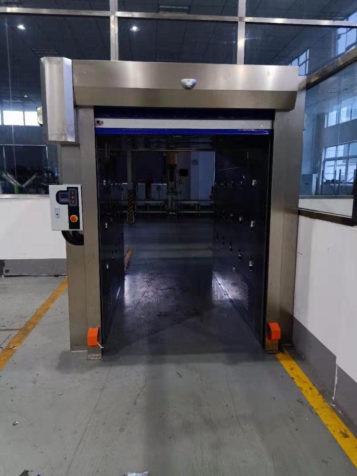 自动卷帘门货淋室--三吹型风淋通道